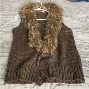 BB Dakota Fur sweater vest